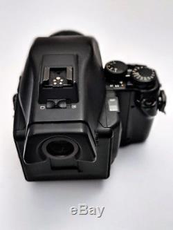Contax 645 AF Medium Format Camera + Ziess Planar 80mm F2 + MFB-1 film back