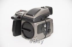 Hasselblad H1 body, HV90X viewfinder, 16-32 back + extras + hardcase (474 shots)